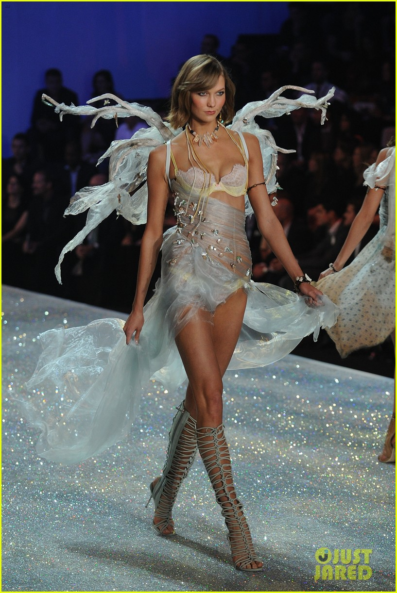 karlie kloss victorias secret fashion show 044050073