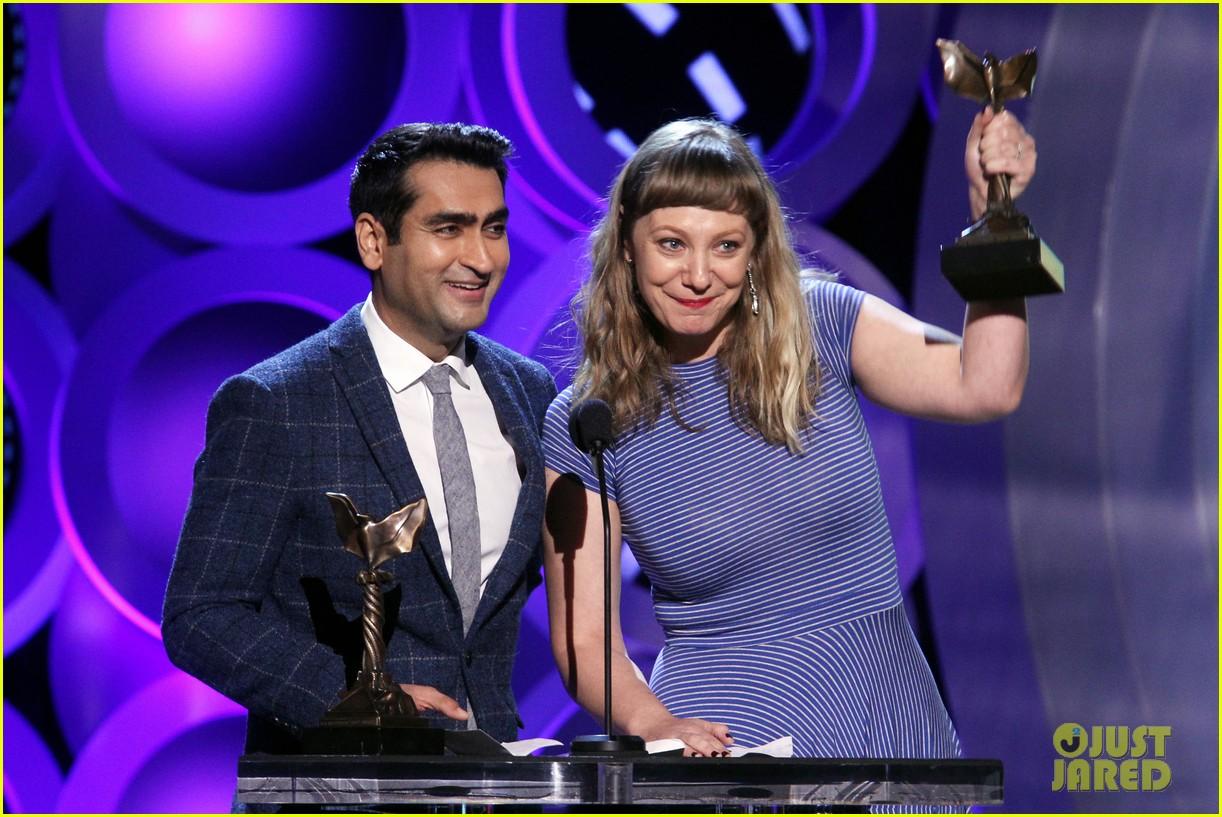 kumail nanjiani emily v gordon win best screenplay at spirit awards 064043226