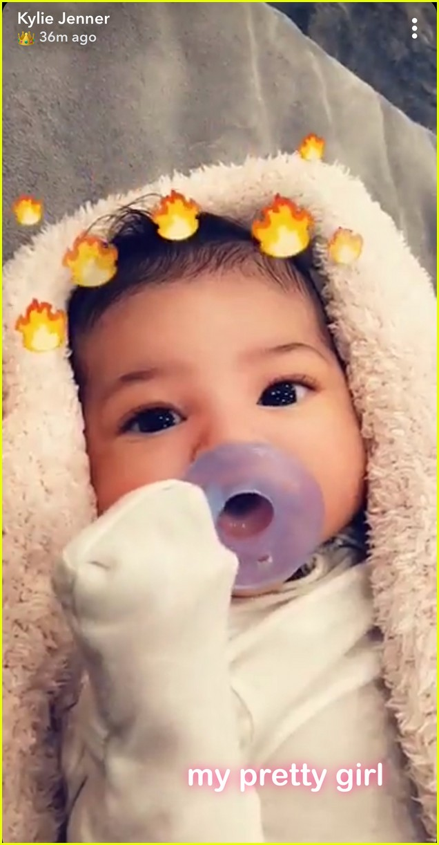 kylie jenner shares close up photo of baby stormi 014042815