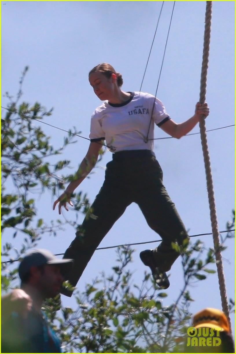 brie larson climbs  rope  captain marvel stunt scene photo  brie larson