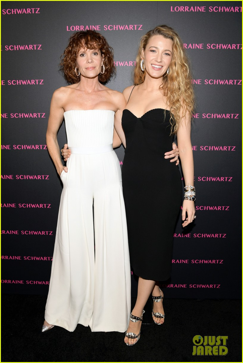 blake lively brings mom sister to lorraine schwartzs the eye bangles launch 044050486