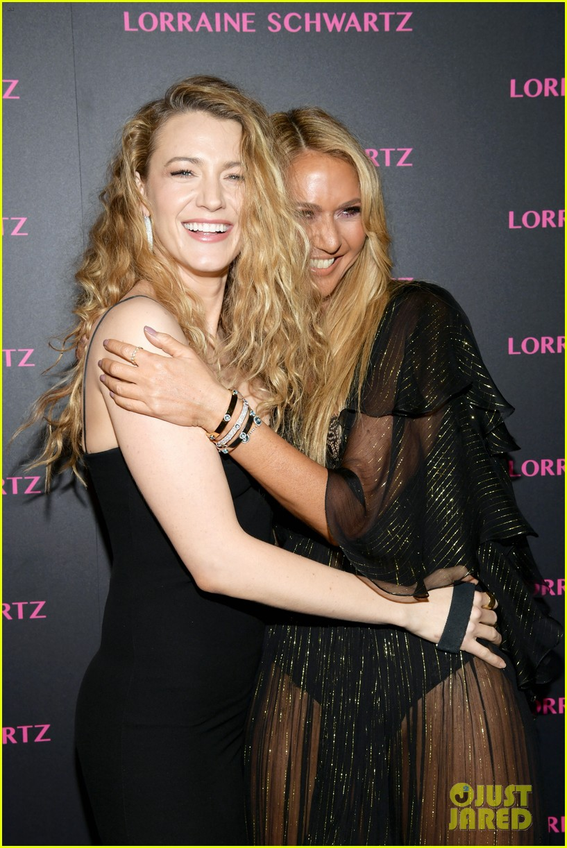 blake lively brings mom sister to lorraine schwartzs the eye bangles launch 054050487