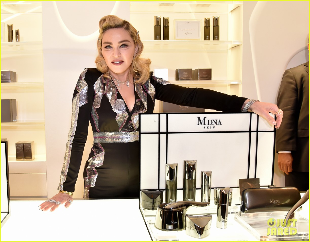 madonna kim kardashian team up for mdna skin meets kkw beauty live sessions 014047204