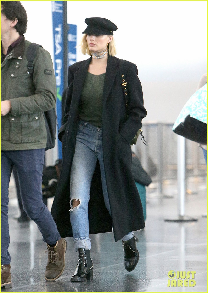 margot robbe airport march 2018 054050106