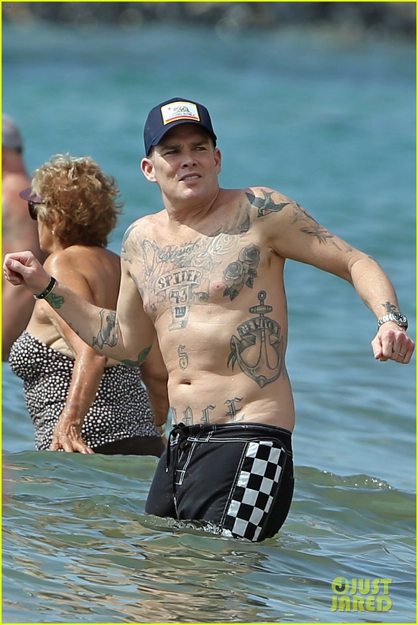 The Madison Club >> Mark McGrath Goes Shirtless at the Beach for His 50th Birthday: Photo 4052001 | Mark McGrath ...