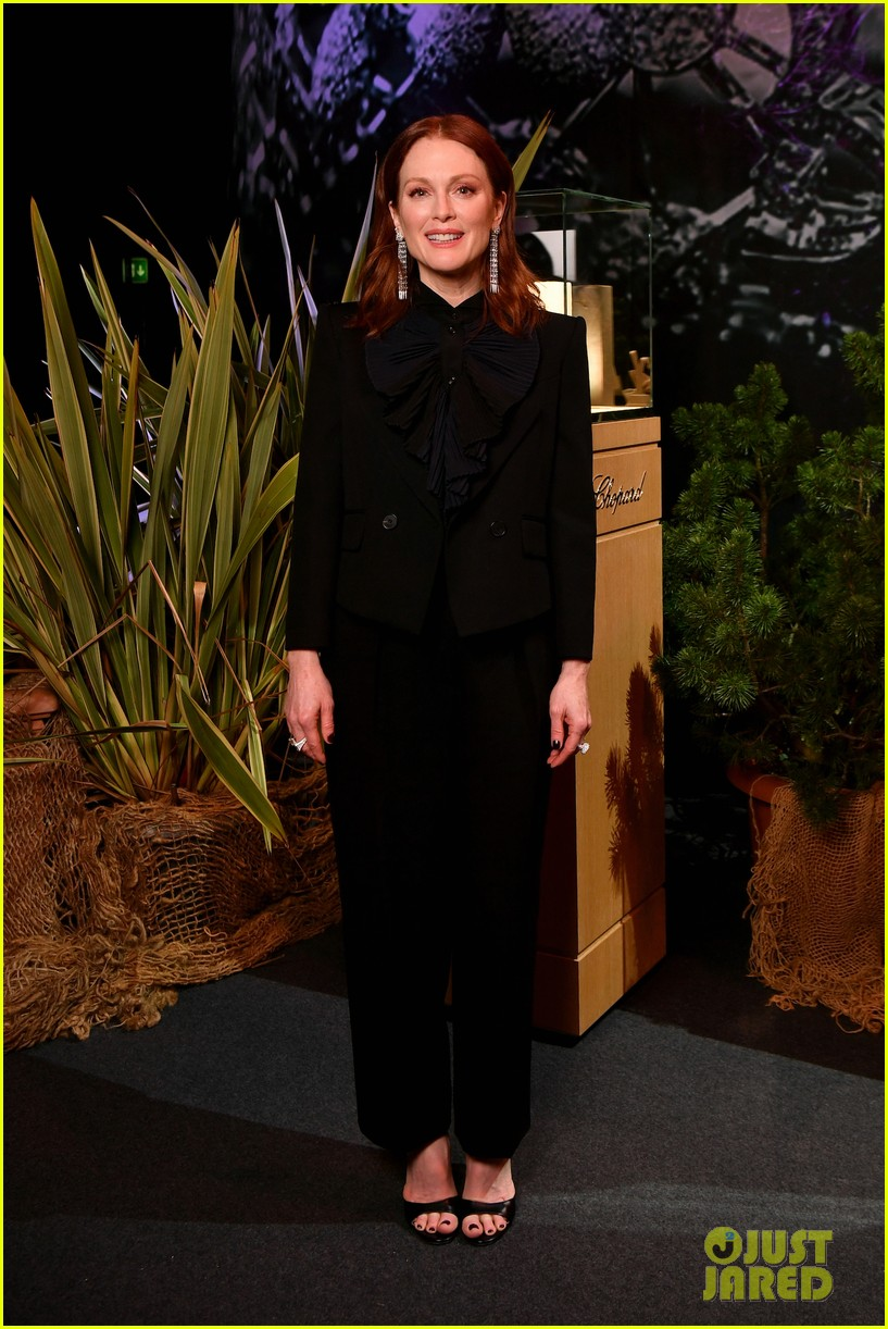 julianne moore colin firth help chopard announce 100 ethical gold pledge at baselworld 054054899