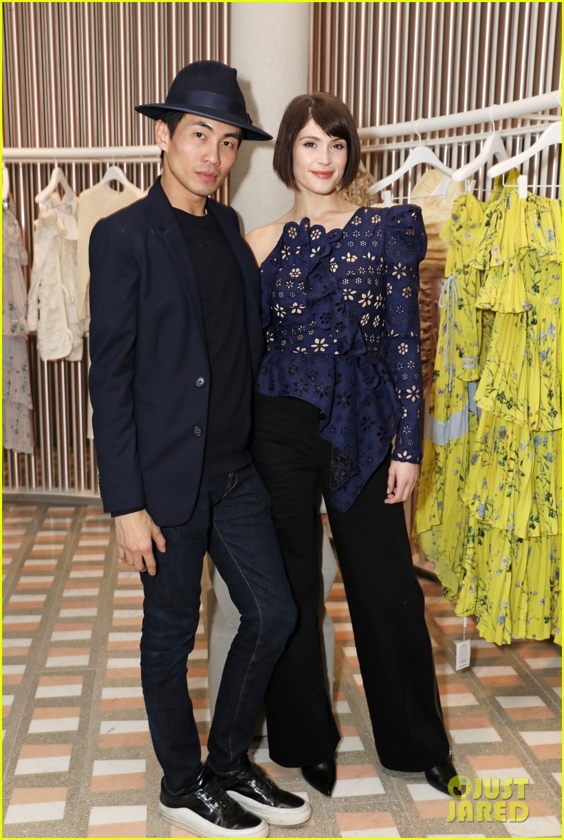 carey mulligan gemma arterton self portrait store opening 064054360