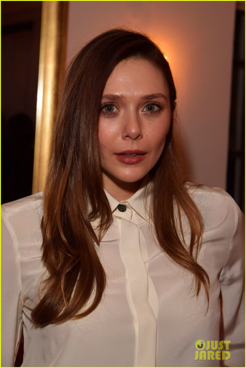 elizabeth olsen boyfriend robbie arnett couple up at gersh oscar party 2018 044042243