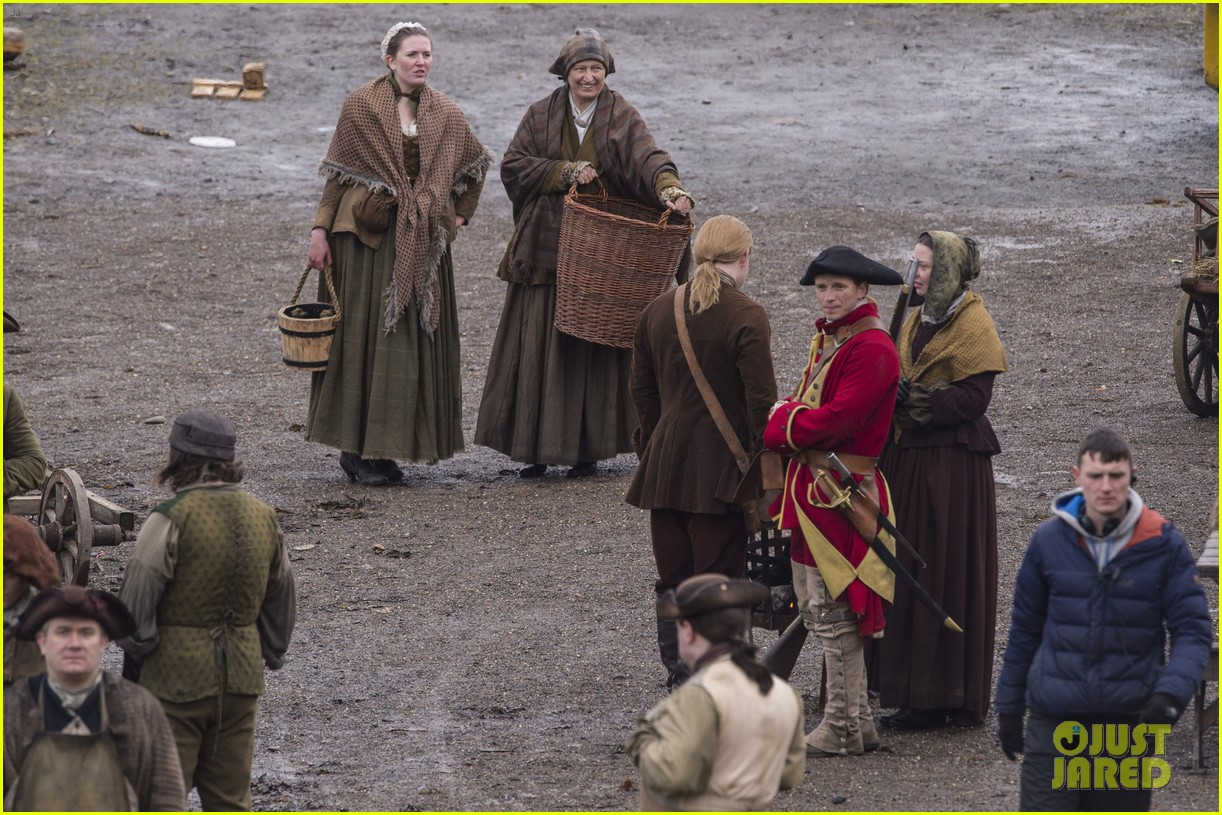 sophie skelton outlander set 364046484