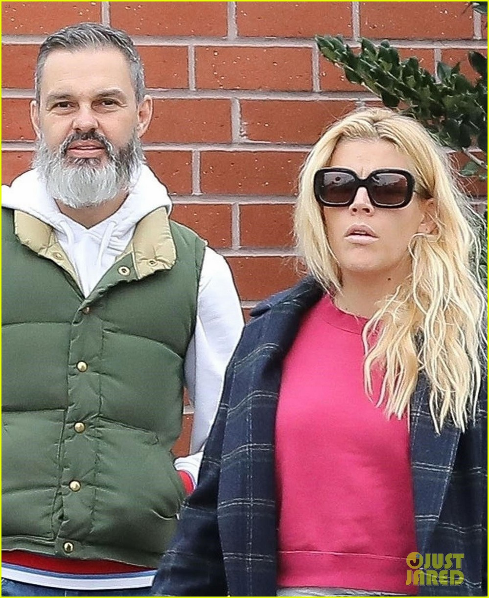 Busy Philipps Covers Up Her Eyes After They Got Sunburned
