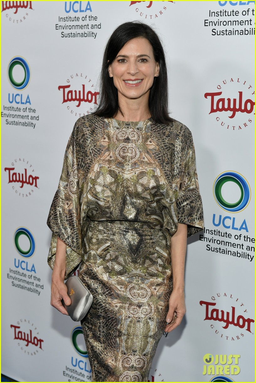 ellen pompeo courteney cox ucla institute event 044054605