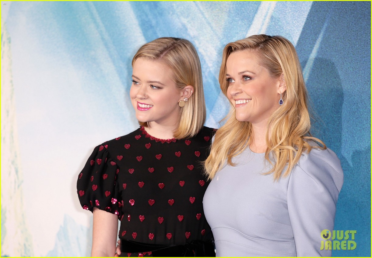 reese witherspoon ava wrinkle in time uk 024050108