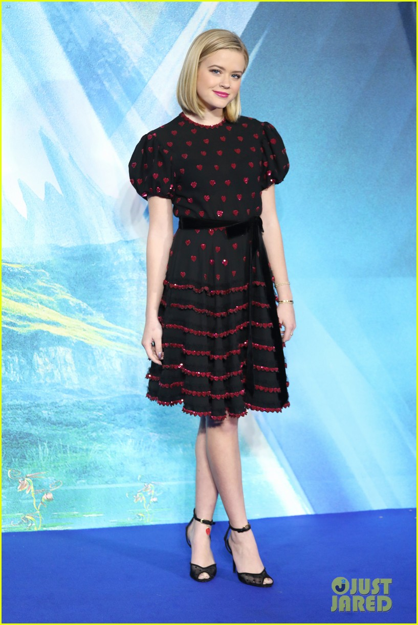 reese witherspoon ava wrinkle in time uk 034050109