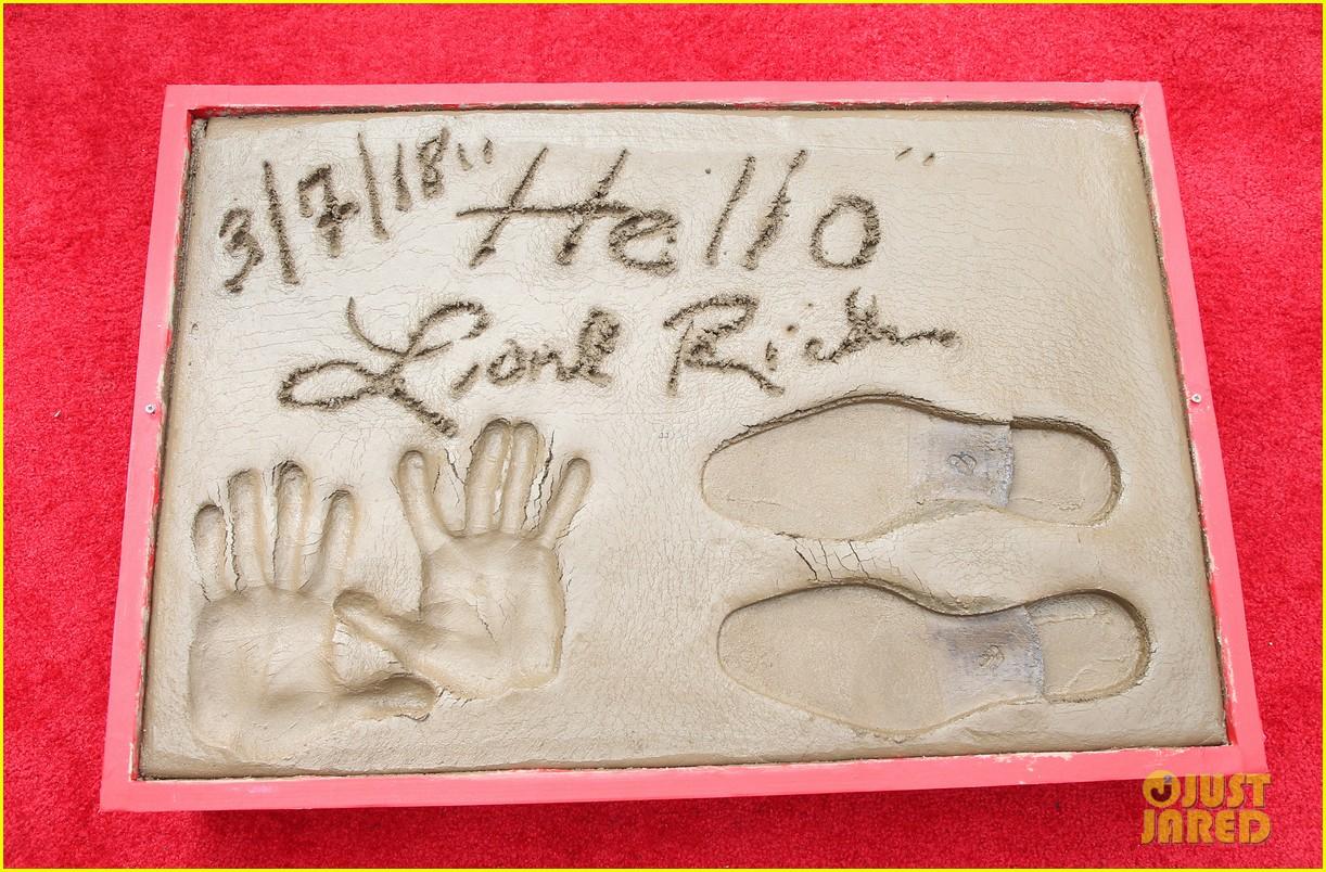 lionel richie kids samuel l jackson jimmy kimmel hand footprint 584047411