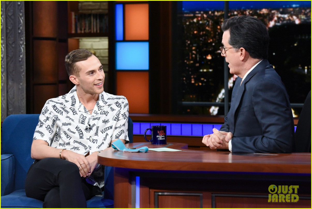 adam rippon tells stephen colbert he would talk to mike pence post olympics 044047886
