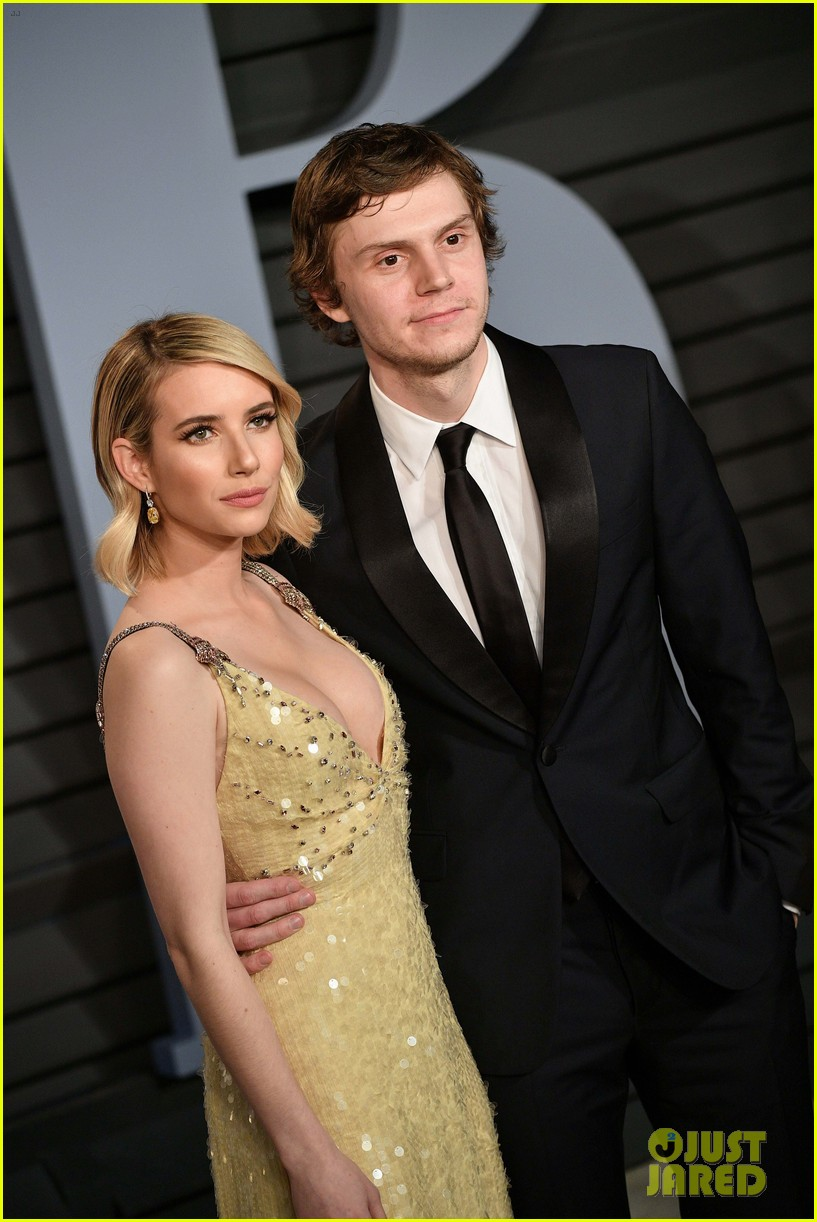 Emma Roberts Evan Peters Are Picture Perfect At Vanity Fair Oscars Party 2018 Photo 4045405 2018 Oscars Parties David Miller Emma Roberts Evan Peters Ryan Murphy Pictures Just Jared