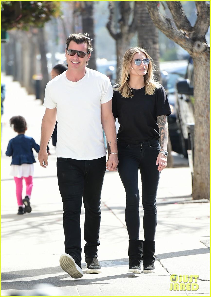 Gavin Rossdale Amp Girlfriend Sophia Thomalla Look So Happy