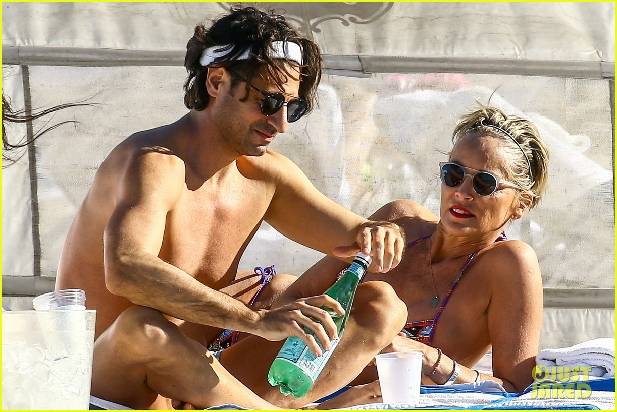 sharon stone boyfriend vacation in mexico 034048553