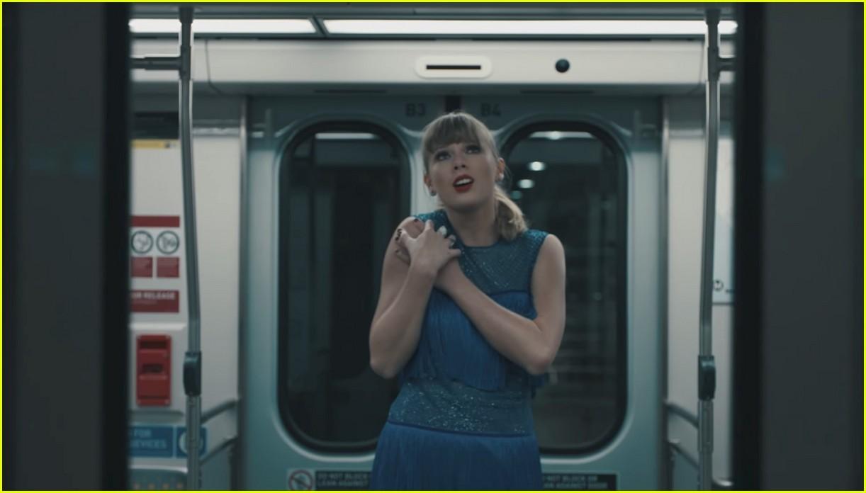 Taylor Swift Drops 'De... Taylor Swift Tour 2018
