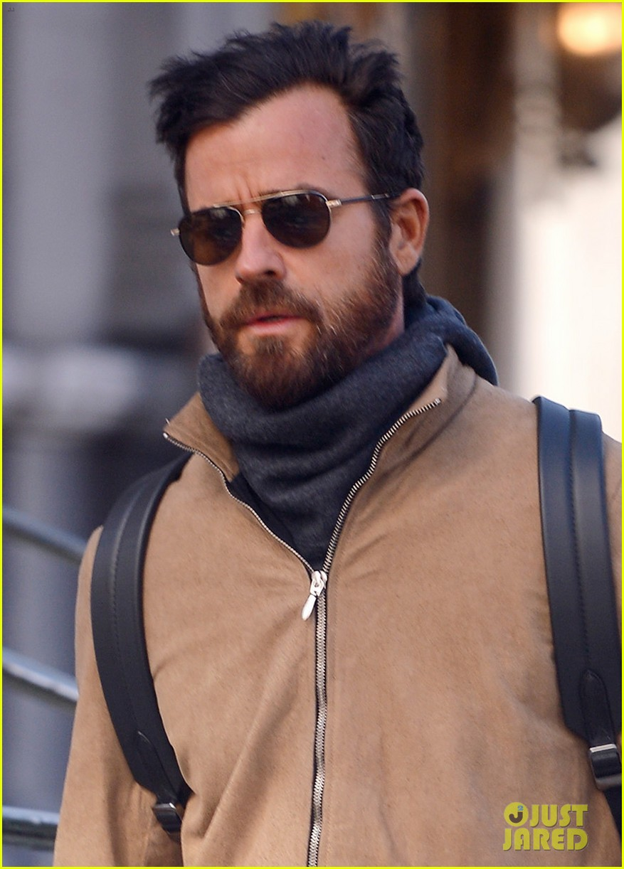 justin theroux bundles up while out in nyc 024050852