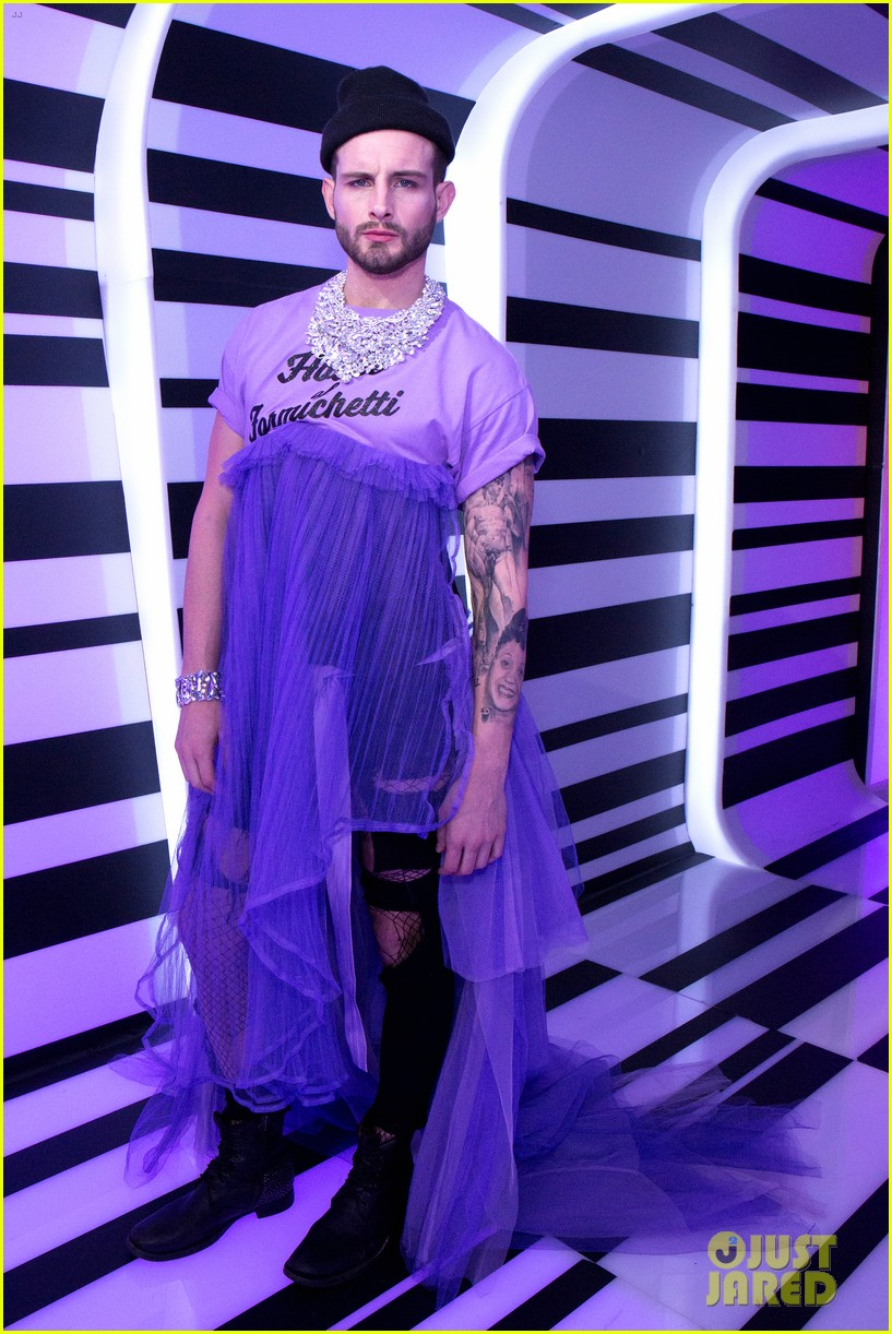 nico tortorella gus kenworthy join season 10 rupauls drag race queens at premiere 054054141