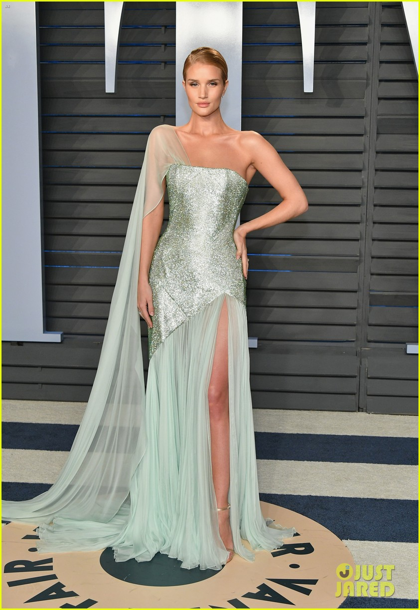 rosie huntington whiteley oscars 2018 after party 054045886