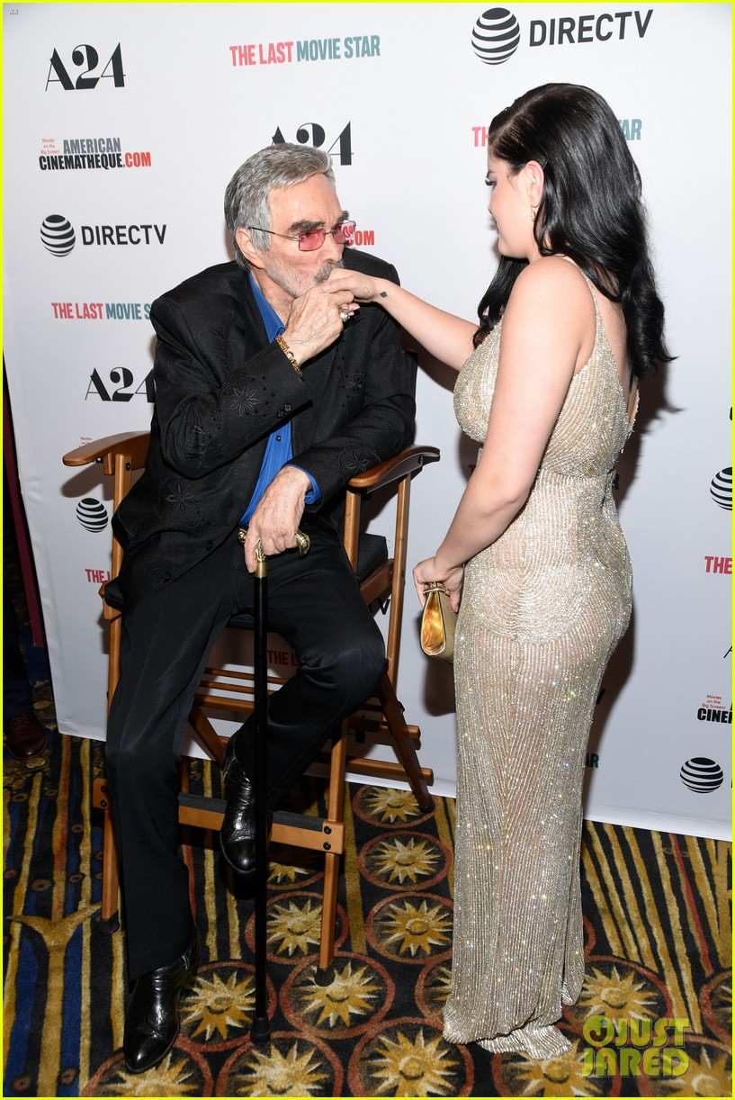 ariel winter channels old hollywood for last movie star premiere 044054859