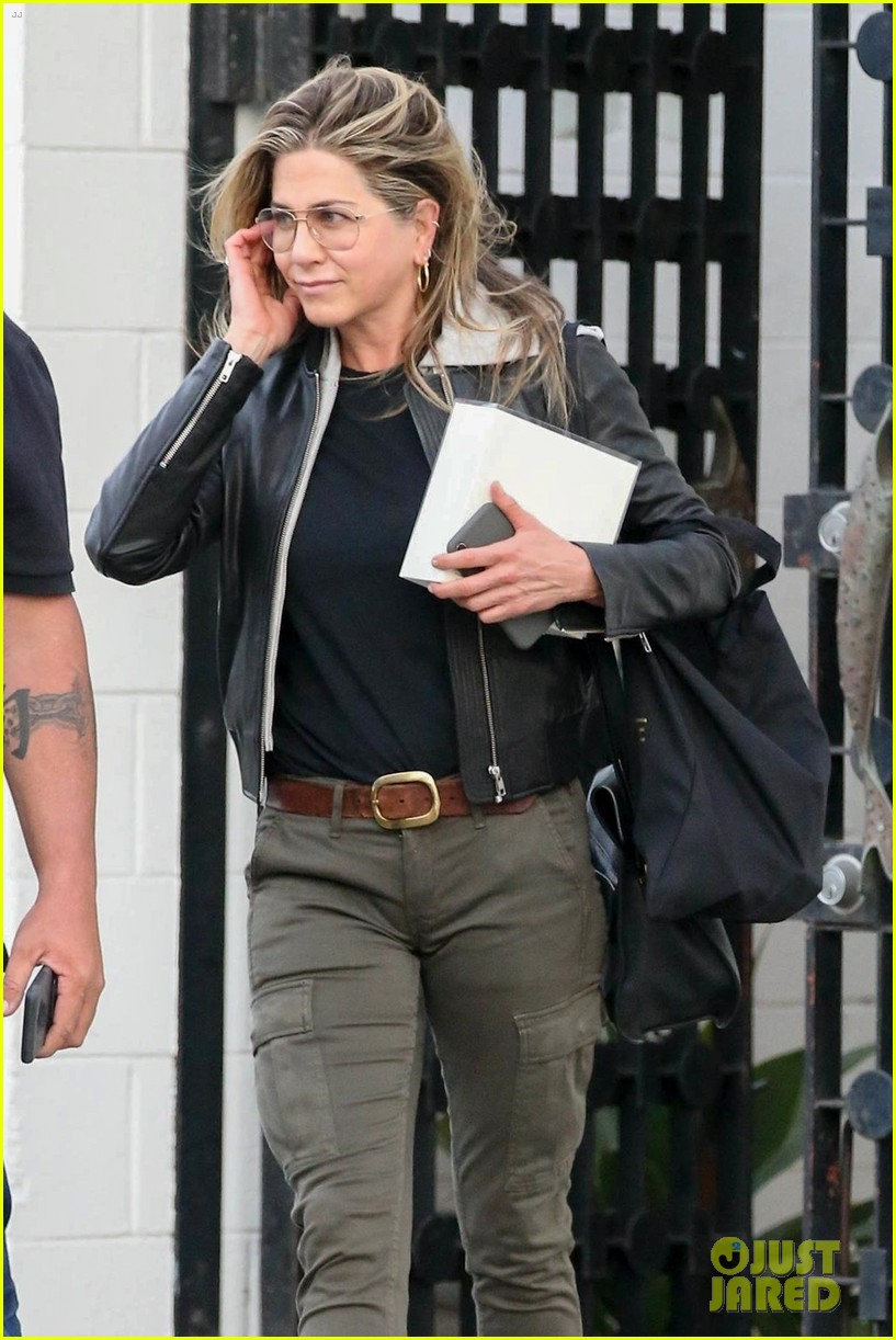 jennifer aniston makes rare appearance since split from justin theroux 014060668