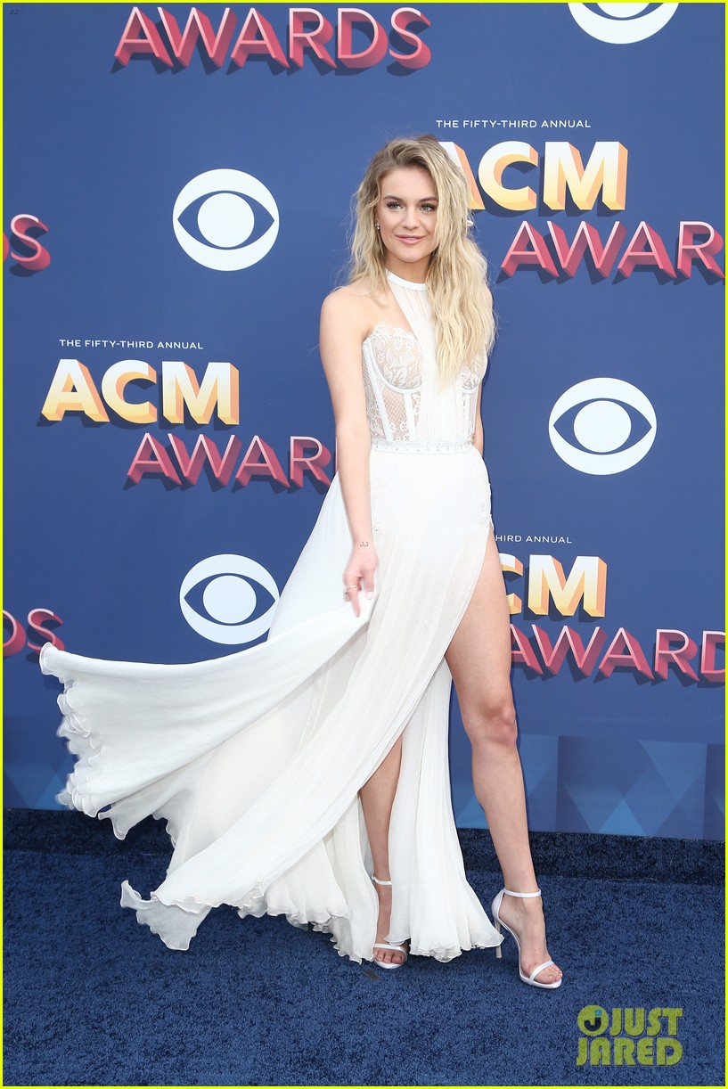 kelsea ballerini morgan evans acm awards 2018 014065263
