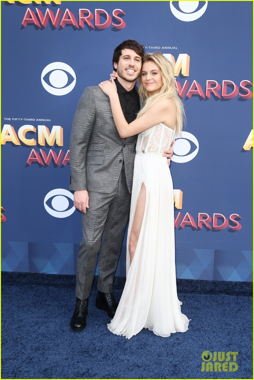 kelsea ballerini morgan evans acm awards 2018 034065265