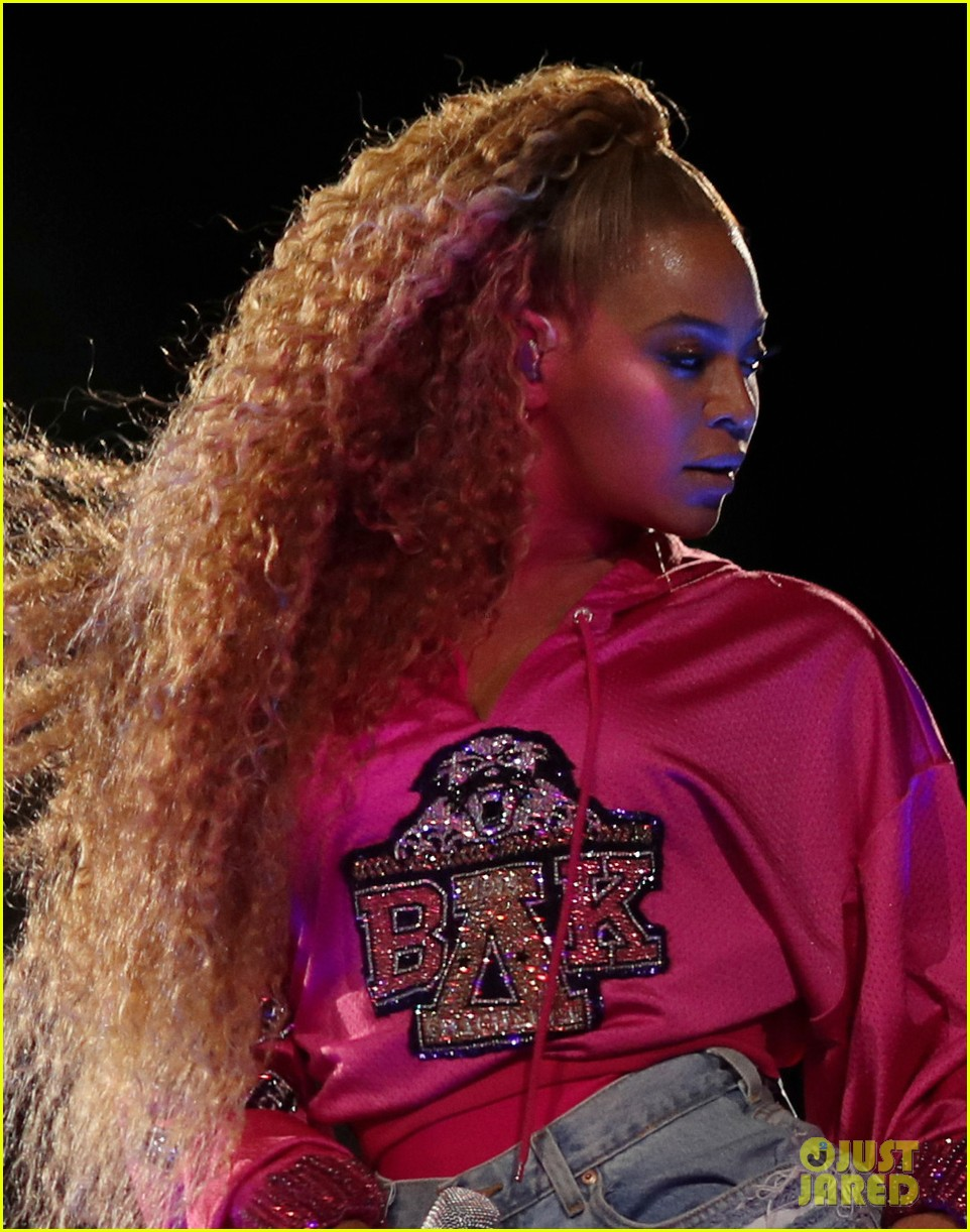 beyonce slays the stage during coachella weekend 2 performance 024068863