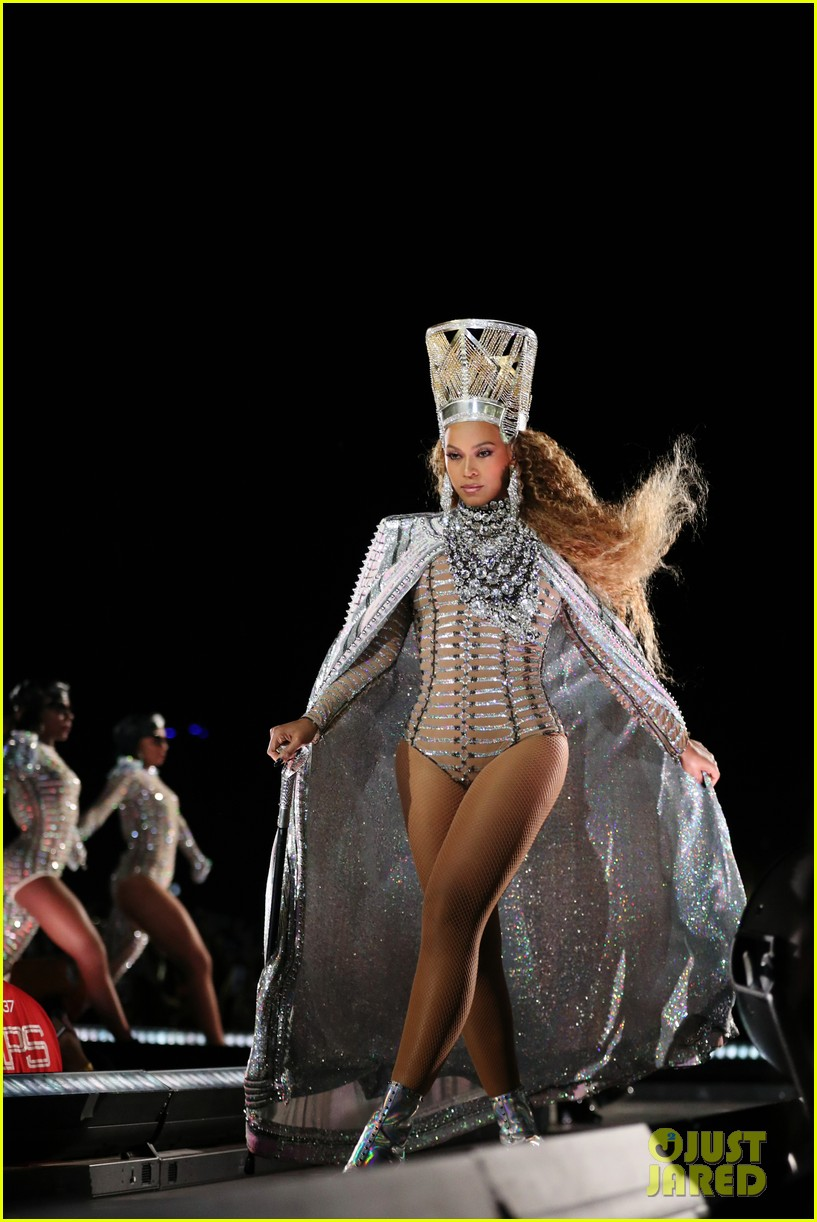 beyonce slays the stage during coachella weekend 2 performance 034068864