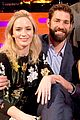 john krasinski jokes he romanced emily blunt when he couldnt get anne hathaway 01