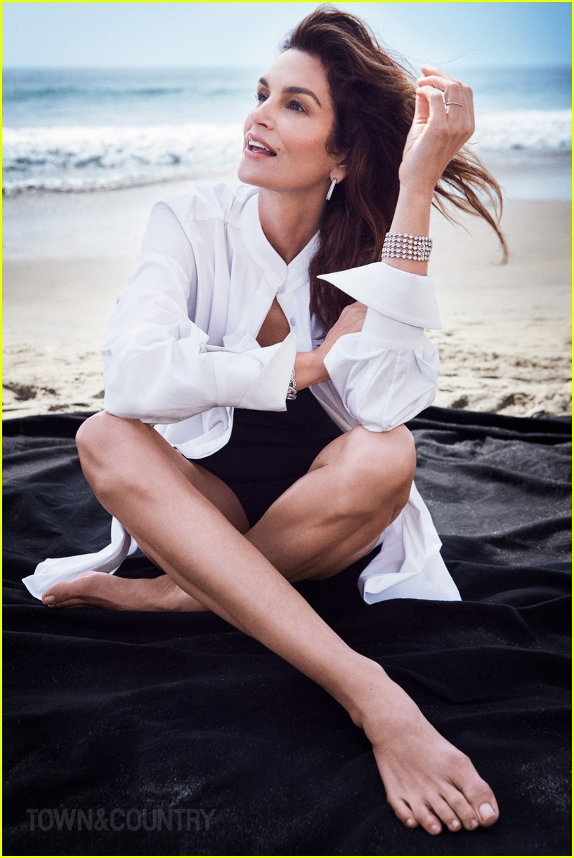 Cindy Crawford Regrets Doing Some Of Her Nude Photo Shoots Reveals The Reason Why Photo 4059855 Cindy Crawford Magazine Pictures Just Jared