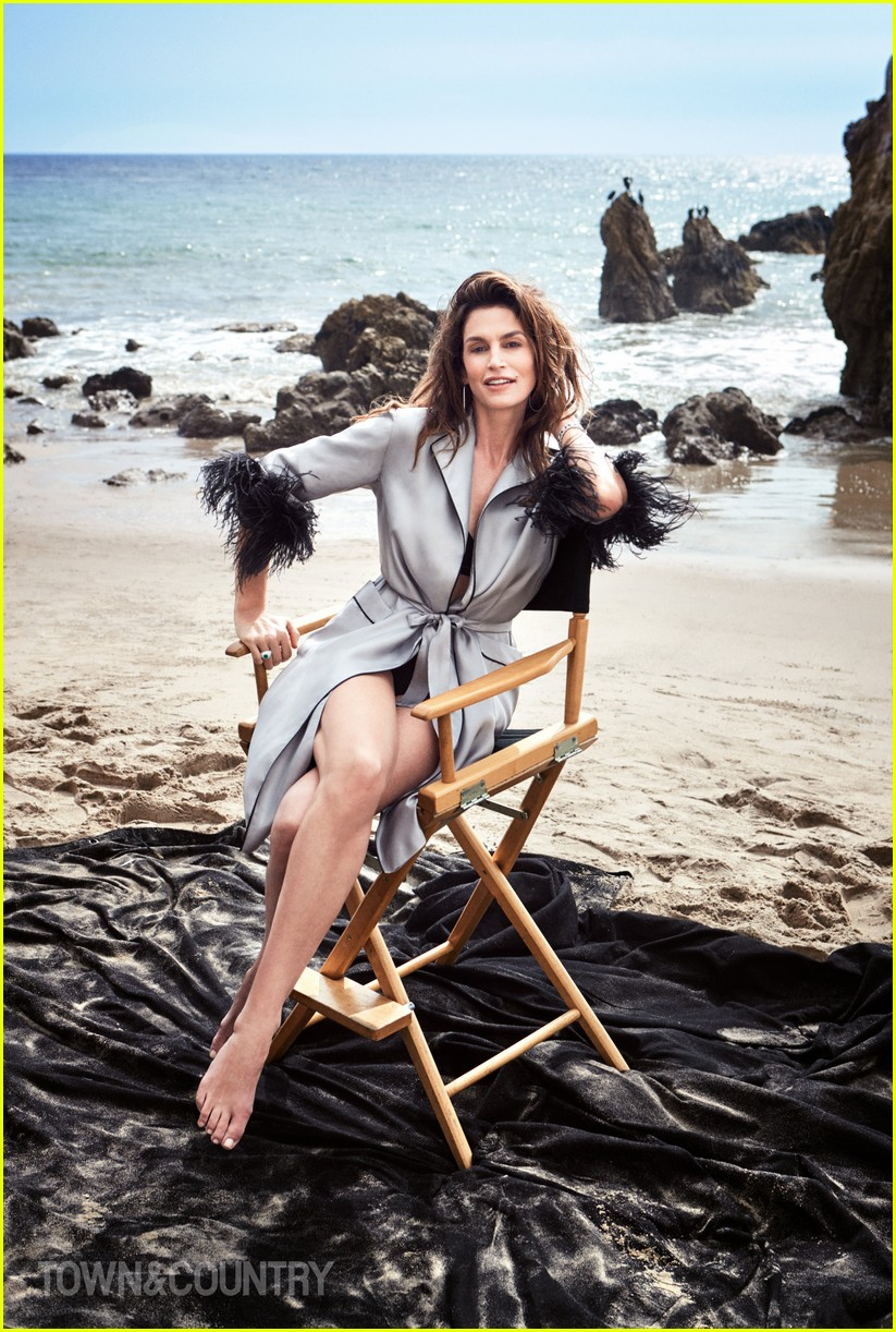 cindy crawford town country 054059857