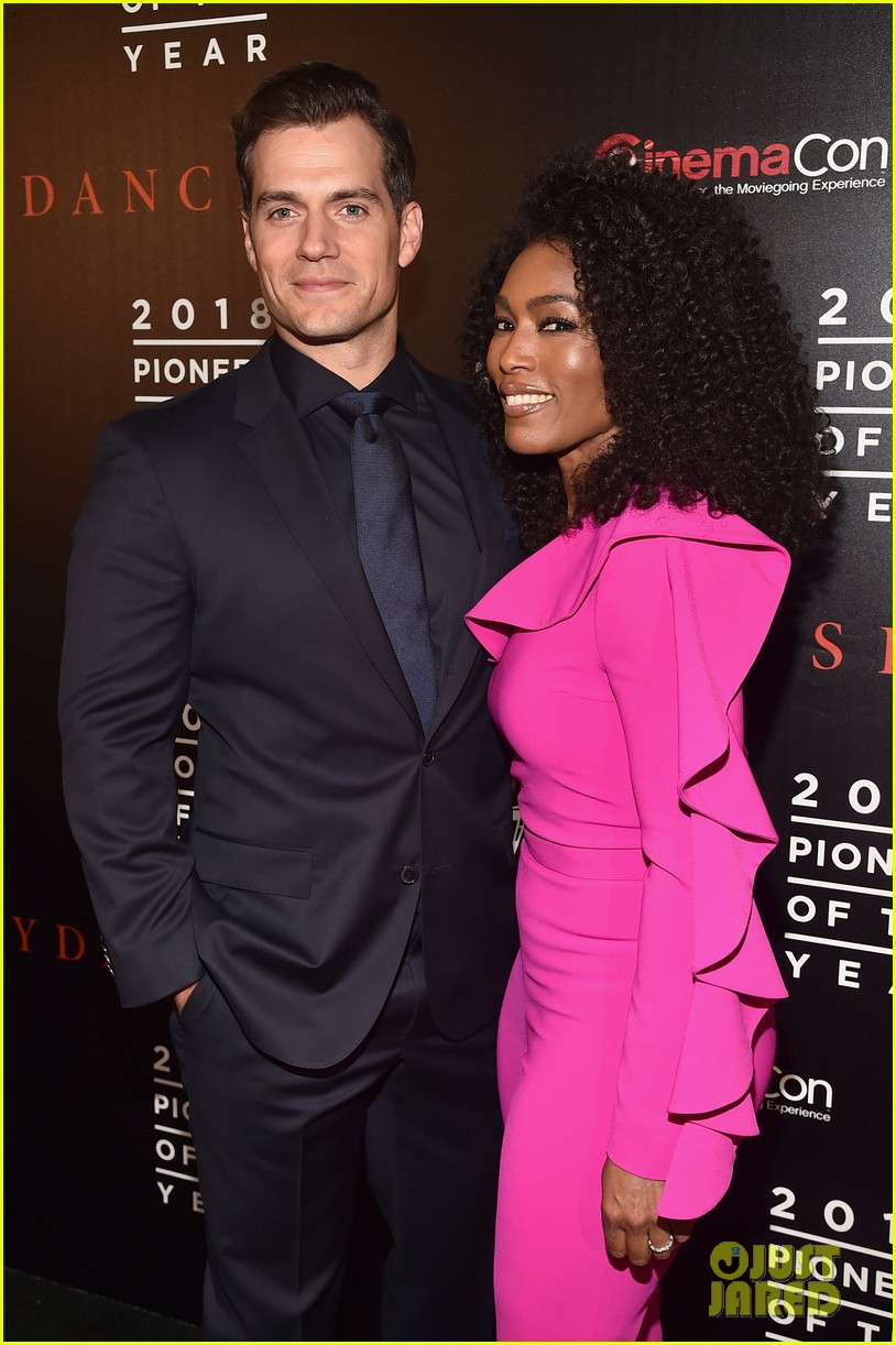 henry cavill angela bassett tom cruise bring impossible 6 to cinemacon034072359