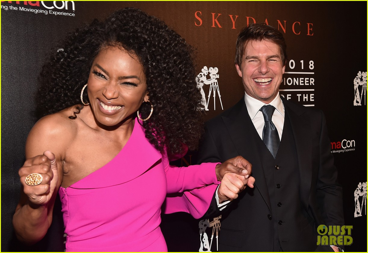 henry cavill angela bassett tom cruise bring impossible 6 to cinemacon054072361