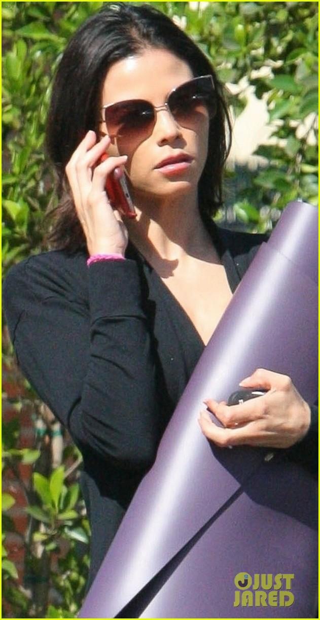 Jenna Dewan Goes Without Wedding Ring for Morning Yoga: Photo ...