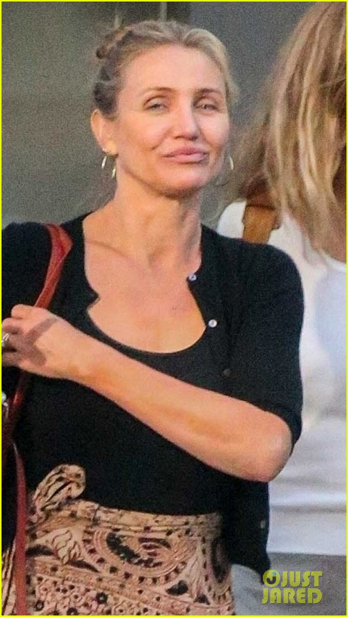 cameron diaz gets her nails done after announcing retirement 024064570