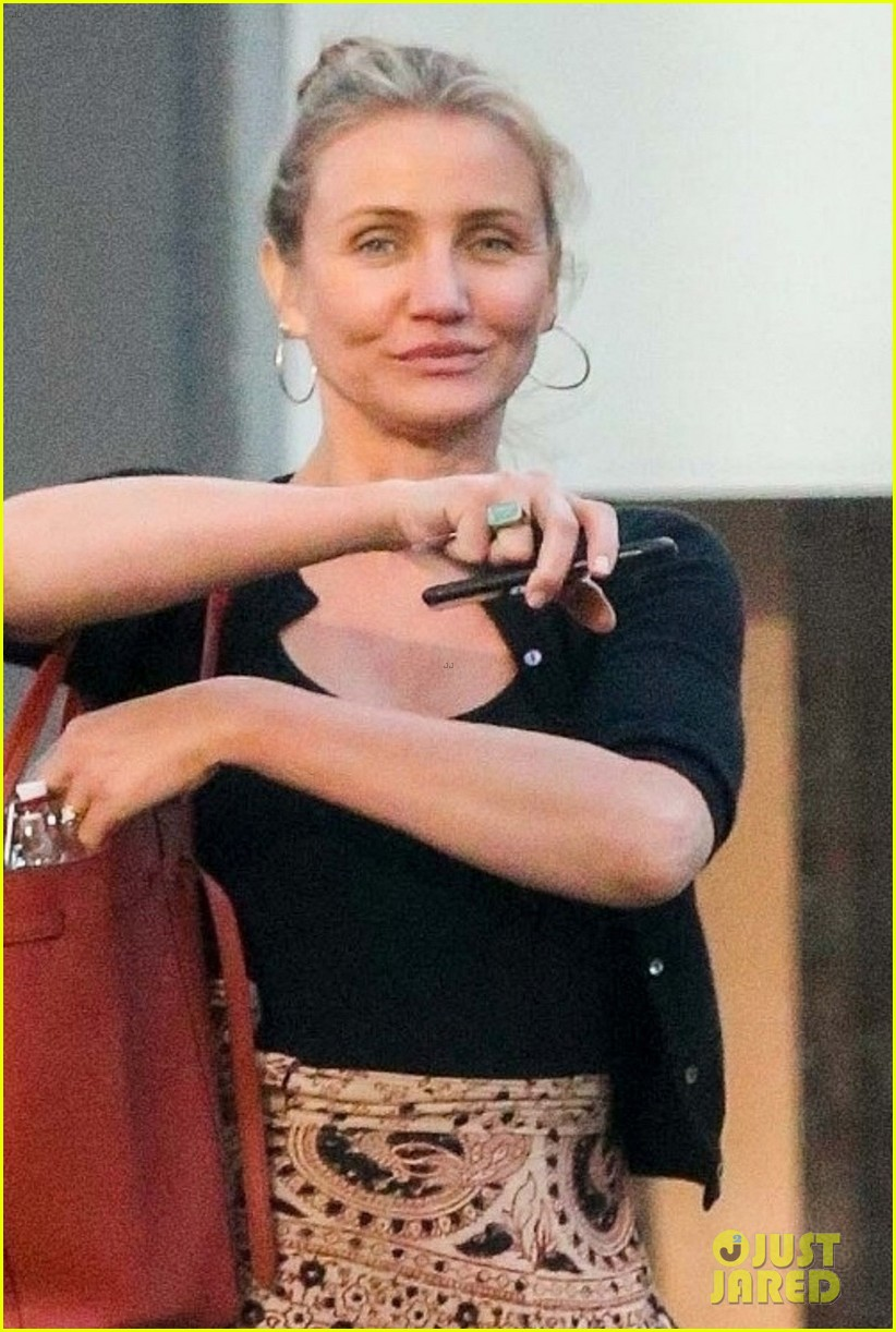 cameron diaz gets her nails done after announcing retirement 044064572