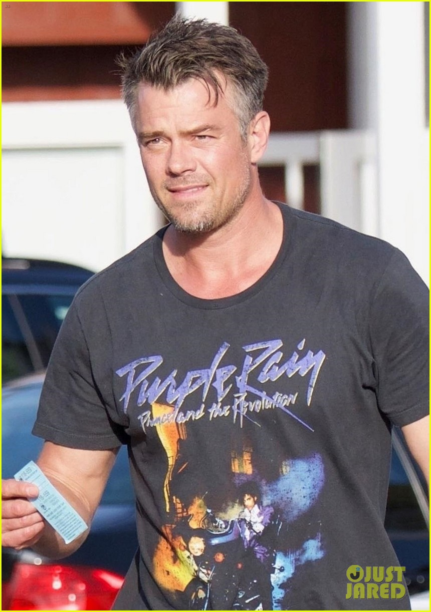 josh duhamel looks handsome stepping out for lunch 024062658