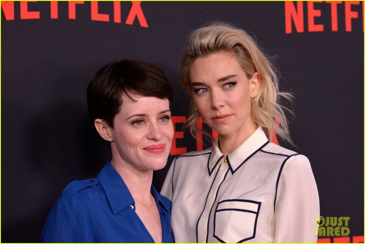 claire foy addresses the crown pay disparity controversy 024073754