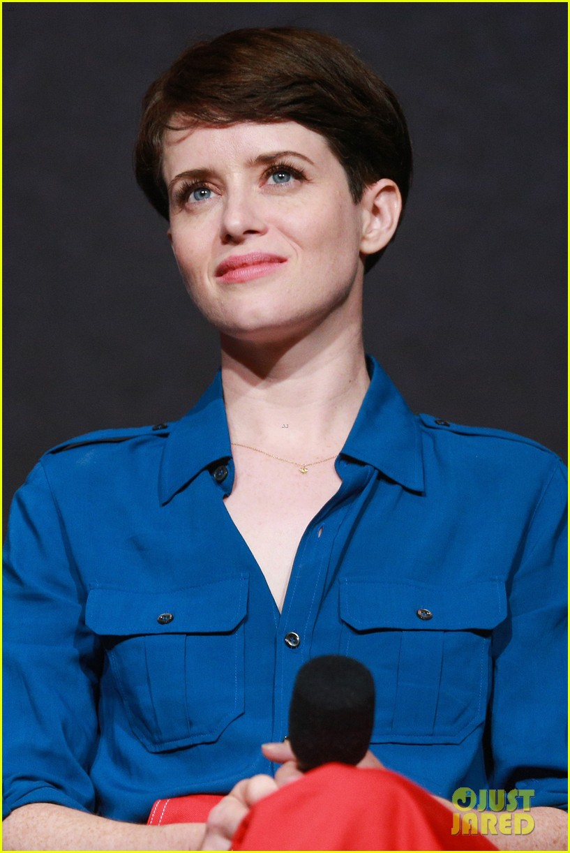 claire foy addresses the crown pay disparity controversy 044073756