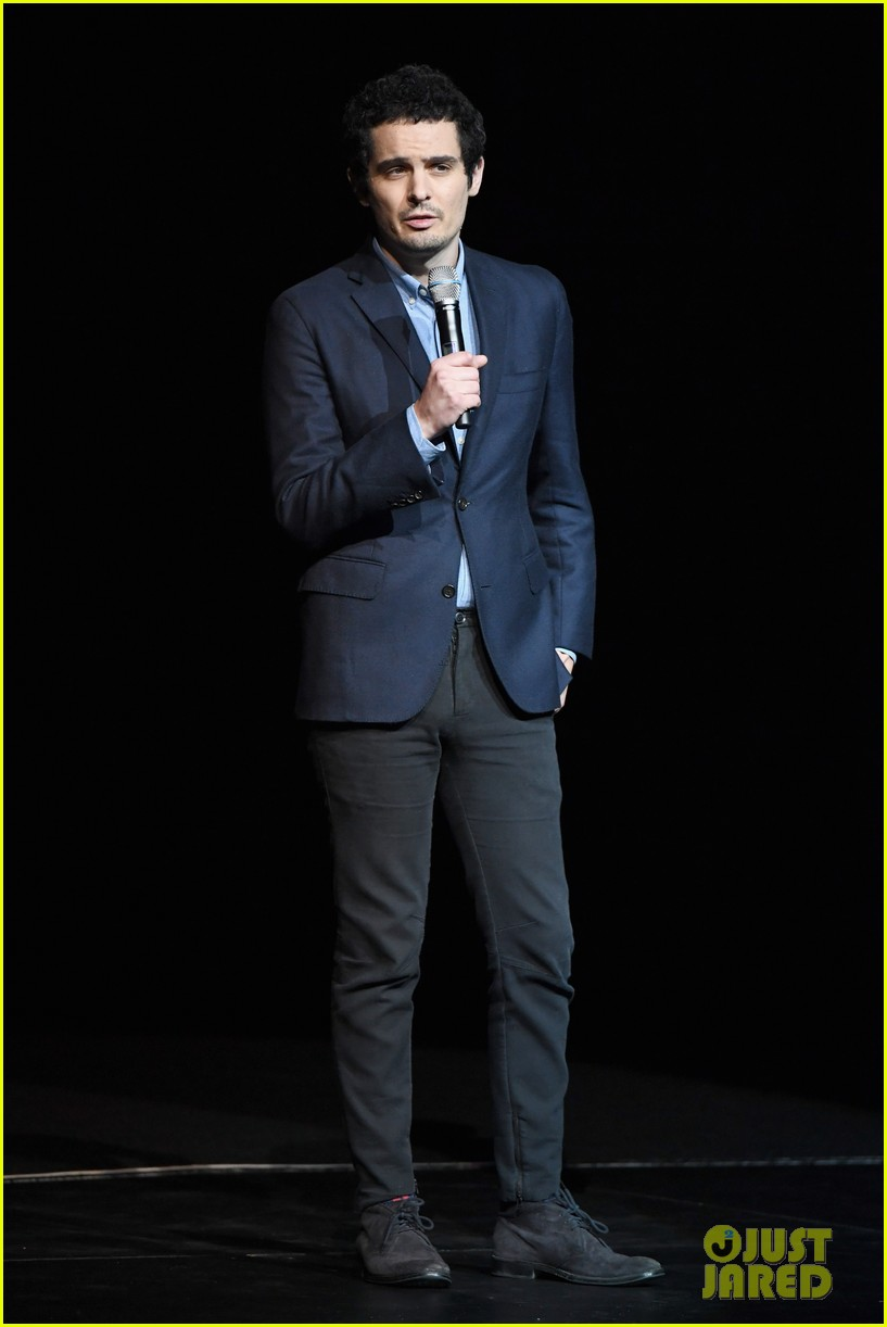 ryan gosling claire foy and damien chazelle talk first man at cinemacon 2018 144072284