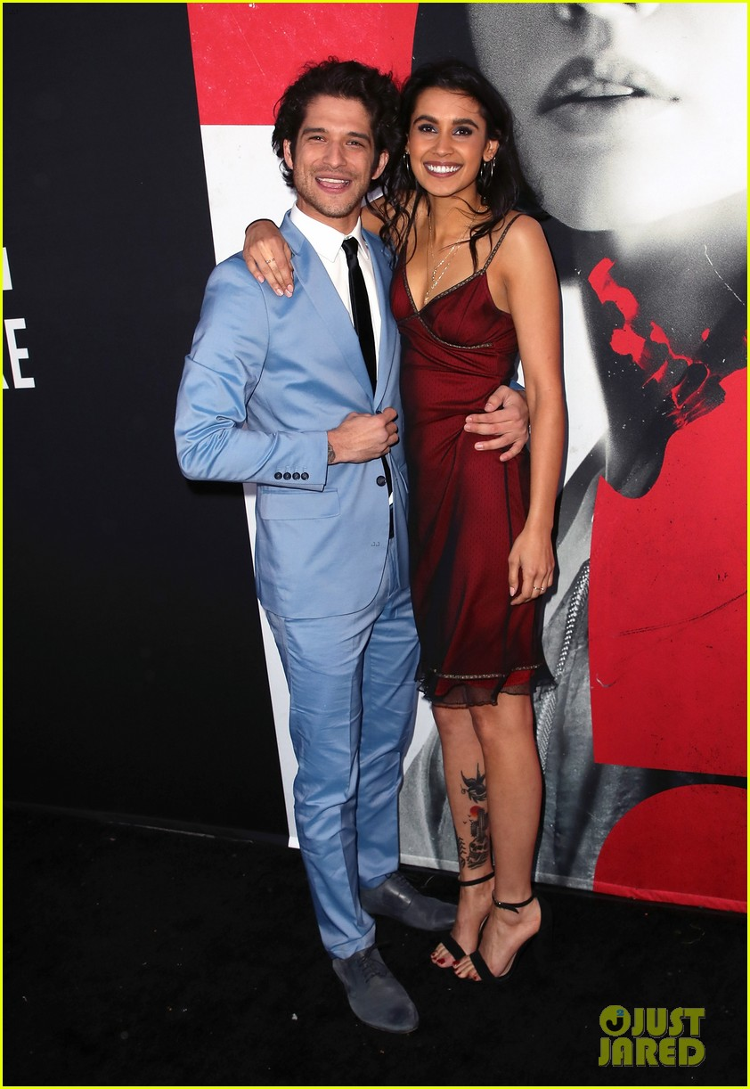 lucy hale tyler posey truth or dare premiere 034063749