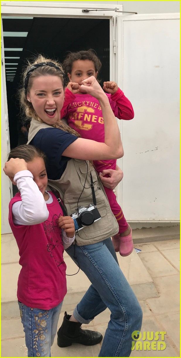 amber heard visits syrian refugees in jordan with sams 044059624