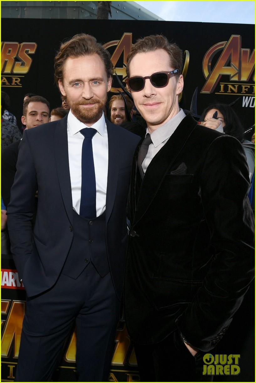 chris hemsworth and tom hiddleston represent thor at avengers premiere 024071144