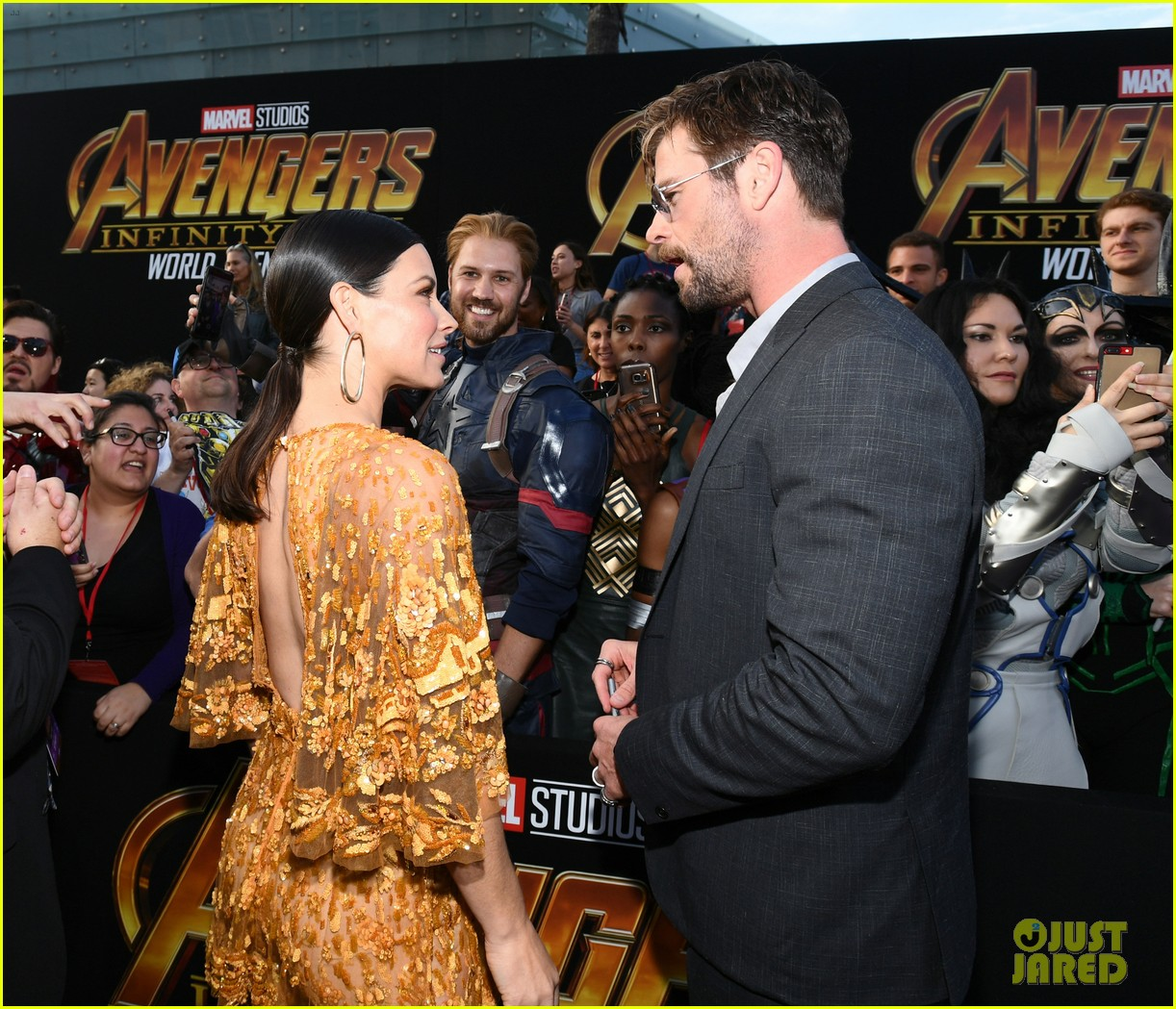 chris hemsworth and tom hiddleston represent thor at avengers premiere 114071153