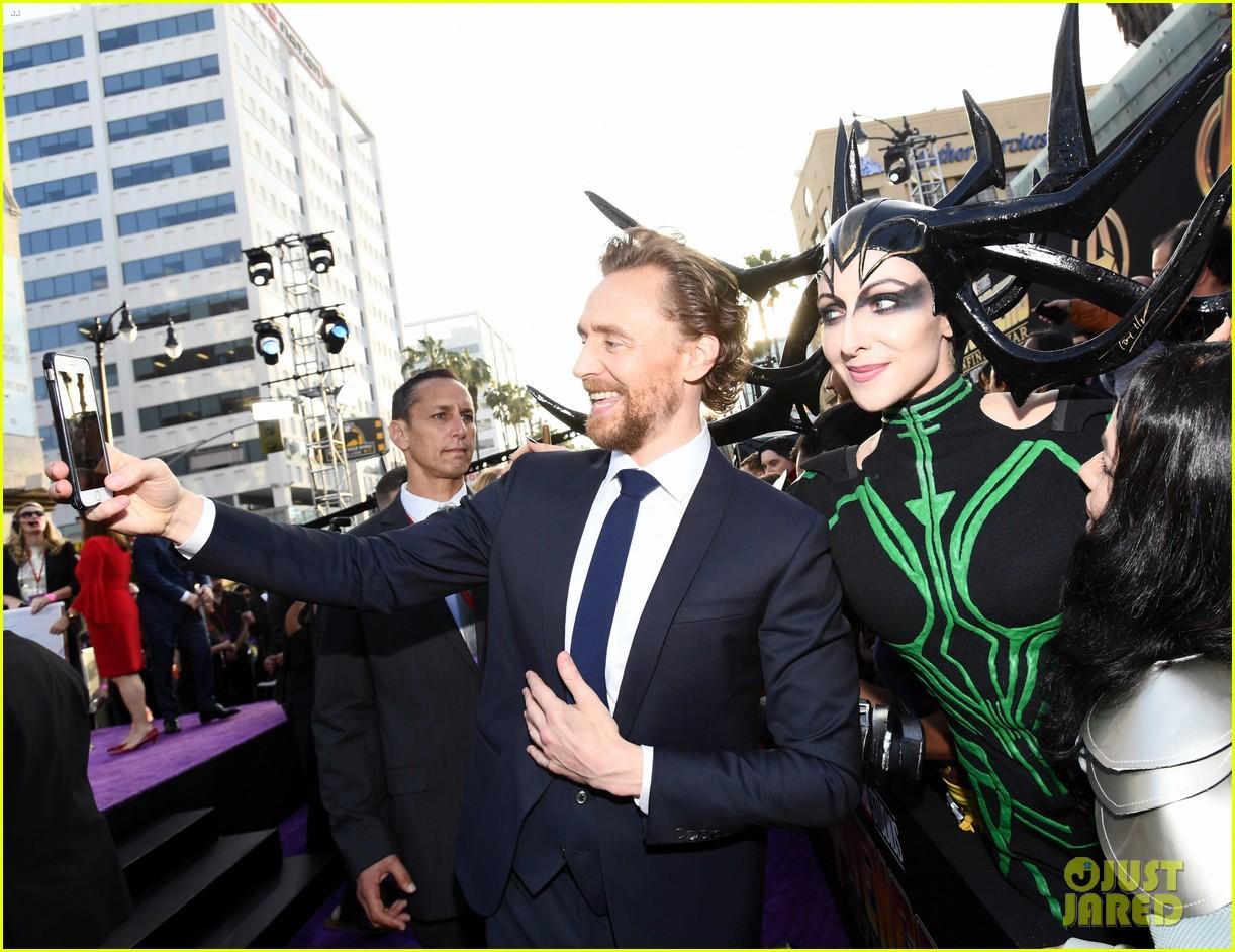 chris hemsworth and tom hiddleston represent thor at avengers premiere 234071165