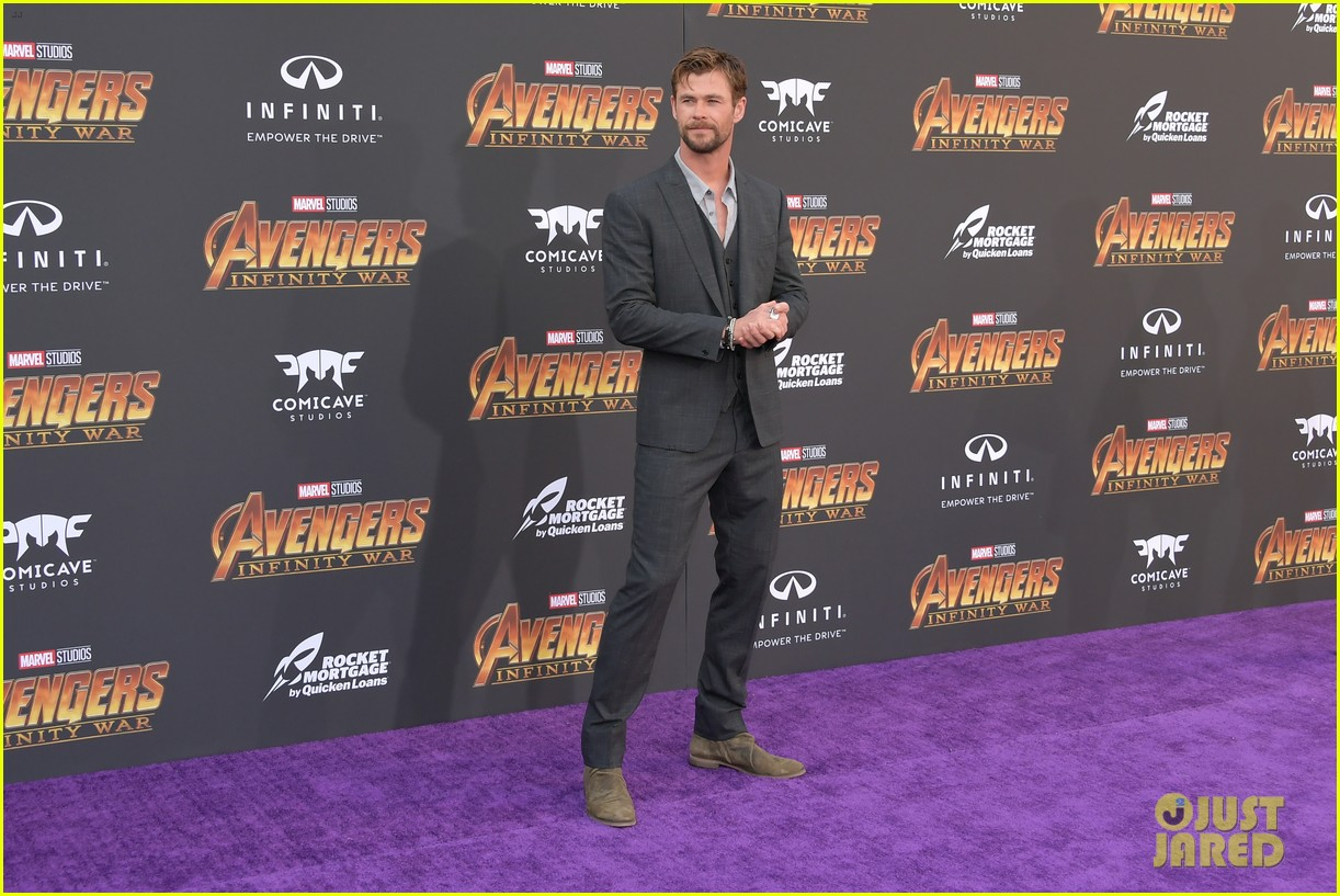 chris hemsworth and tom hiddleston represent thor at avengers premiere 244071166